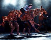 War Horse at the New London Theatre Photo by Brinkhoff Mögenburg 852-034